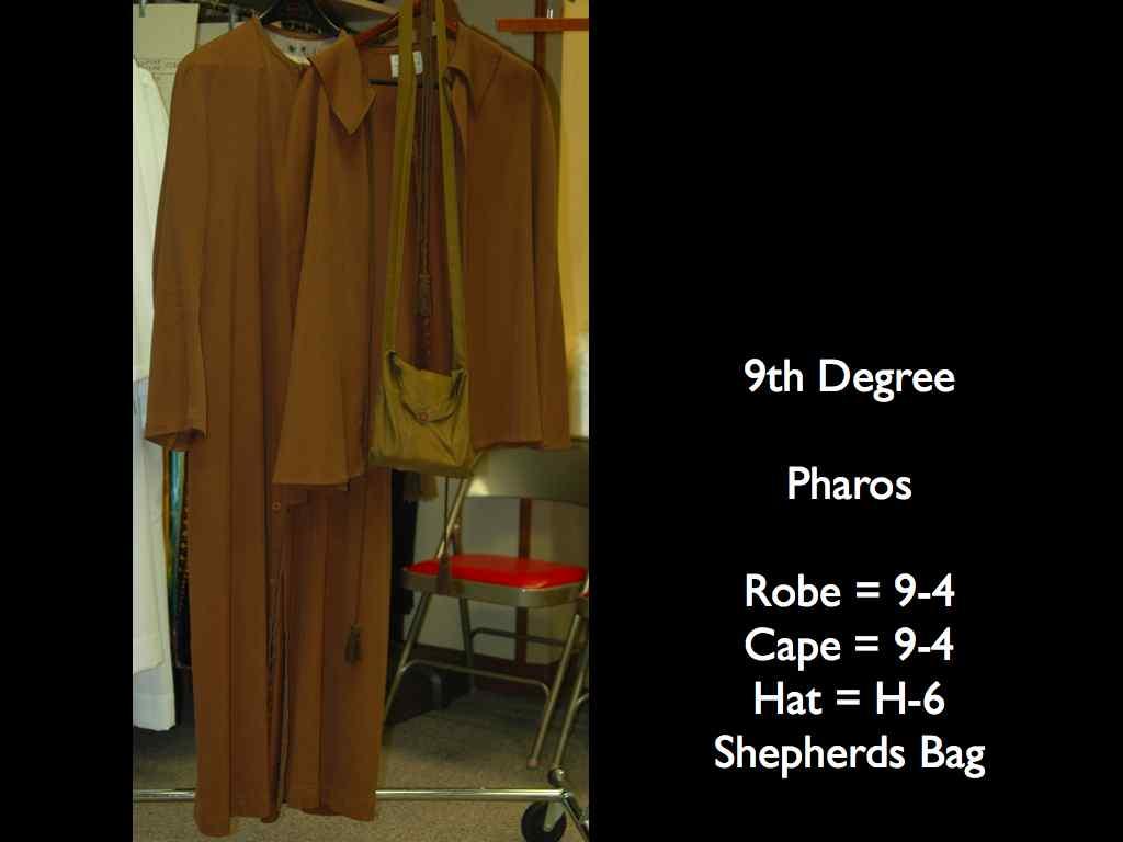 Costumes 23